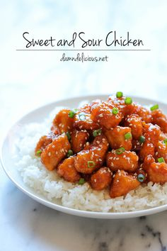 Baked Sweet and Sour Chicken - No need to order take-out anymore - this homemade version is so much healthier and a million times tastier! Sub cornstarch for coconut flower for a healthier dinner Sweet Sour Chicken, Orange Chicken, Baked Chicken, Sesame Chicken, Recipe Chicken, Boneless Chicken, Chicken Salad, Chicken Recipes No Dairy, Sesame Shrimp