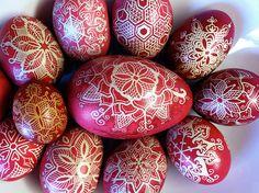I once had a collection of similar eggs Orthodox Easter, Egg Tree, Spring Aesthetic, Vernal Equinox, Blue Eggs, Ukrainian Easter Eggs, Biblical Art, Egg Decorating, Stone Art