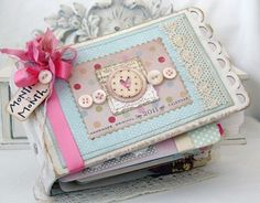 MINI ALBUM: Months and minutes and memories... By lilybeans_paperie.