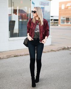 36 Stylish Women Bomber Jacket Ideas - Women's bomber jackets are winding up increasingly mainstream. When you're prepared to buy this profoundly looked for after thing you will be excited . Burgundy Bomber Jacket, Bomber Jacket Winter, Bomber Jackets, Bomber Coat, Green Bomber Jacket Outfit, Maroon Jacket, Jacket Style, Mode Outfits, Casual Outfits