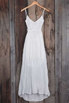 Cupshe Ali Lace Wedding Party Maxi dress