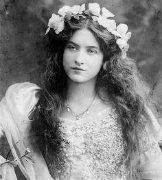 Beautiful Maude Fealy