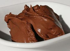 Water + chocolate = mousse chocolate (see recipe) Cioccolato + acqua = ovvero… Sweets Recipes, Cake Recipes, Cooking Recipes, Creme, Flan, French Buttercream, No Calorie Snacks, Italian Desserts, Desserts To Make