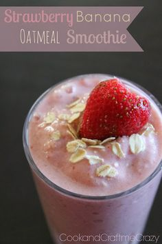 Strawberry Banana Oatmeal Smoothie - 4 ingredients & prepped to keep you full. #smoothie #healthy
