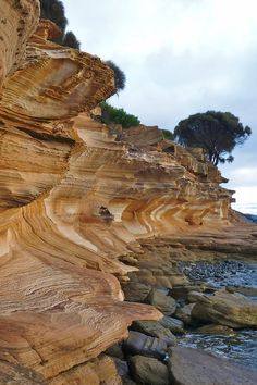 The awe-inspiring Painted Cliffs in Tasmania | 34 Reasons Australia Is The Most Beautiful Place On Earth