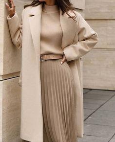 #fashion #style #love #instagood #like #photography #photooftheday #beautiful #ootd #model #follow #moda #fashionblogger #beauty #instagram #art #fashionista #picoftheday #instafashion #cute #happy #makeup #girl Winter Fashion Outfits, Work Fashion, Modest Fashion, Fall Outfits, Autumn Fashion, Fashion Tips, Classy Fashion, Fashion Styles, 2000s Fashion