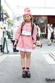 Indie Japanese fashion designer Ririan wearing a cute handmade gingham top & skirt. She works at Kinji Harajuku & also has her own brand Himitsu Kessya. Check her on Twitter here.