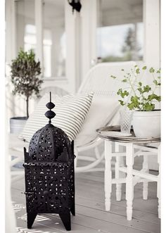 Black and White Deck Design Moroccan Lanterns, Moroccan Decor, Moroccan Style, Modern Moroccan, Outdoor Spaces, Outdoor Living, Outdoor Decor, Outdoor Retreat, Home Staging