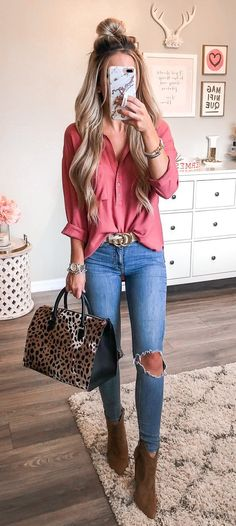 summer outfits distressed blue jeans