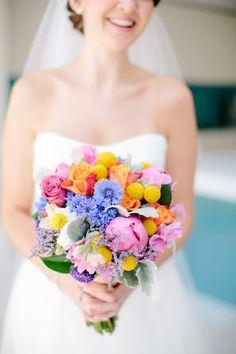 Cerimônia | Buquê (boa opção de paleta de cores para o casamento)