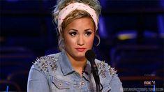 Demi Lovato reage (em gifs) às notícias dos famosos desta semana  7. Fã se casa com Robert Pattinson de papelão em Las Vegas