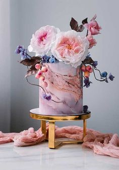 Be inspired by these pretty wedding cakes! We are having a major swoonnsesh over these gorgeous wedding cakes. These latest wedding cakes are the latest instragram wedding cake trend from fabulous artist cake designers. Pretty Wedding Cakes, Amazing Wedding Cakes, Wedding Cake Designs, Pretty Cakes, Beautiful Cakes, Amazing Cakes, Wedding Themes, Wedding Colors, Paper Cake