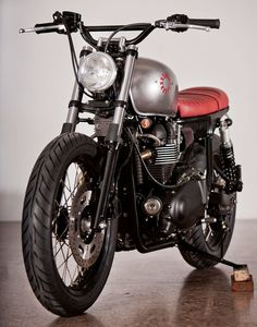 custom Triumph Bonneville t100 by Kiddo Motors #motorcycle #motorbike