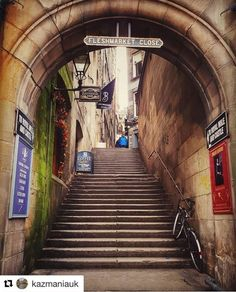 Fleshmarket Close, Edinburgh. Photo from @kazmaniauk #Edinburgh #Scotland #Scottish #RoyalMile#Historic #Tourist #Photographer #UK#Travel #City #Architecture #EDI