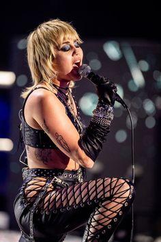 Miley Tattoos, Miley Cyrus Style, Metalhead, Celebs, Female Celebrities, Beautiful Celebrities, Hair Makeup, Hair Beauty, Punk