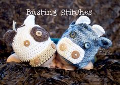 Too Cute Cows (Baby hats) Free Patterns on Busting Stitches at http://www.bustingstitches.com/2013/05/too-cute-cow-set.html