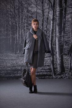 cappotto scialle imbottito / vestito imbuto / cintura monocolor / zaino pelle #AW1415 #LAFABRIQUE #LAFABRIQUEFASHION #MADEINITALY #WOMANSWEAR