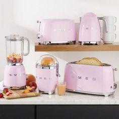 Smeg Kitchen, Retro Kitchen Appliances, Cute Kitchen, Shabby Chic Kitchen, Pink Kitchen Decor, Kitchen Ideas, Awesome Kitchen, Kitchen Gadgets, Kitchen Cabinets