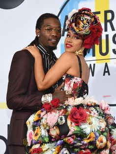 """Offset defends public attempts to win Cardi B back - Offset admitted crashing Cardi B's festival performance """"kind of bit me"""" as people were unimpressed. Music Is Life, New Music, Rolling Loud Festival, Cardi B Photos, Cute Celebrity Couples, Kim Taehyung, Miranda Lambert, American Rappers, American Music Awards"""