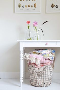 The wire basket for blankets!  Want this for my living room!