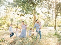 Katie Lamb is a lifestyle portrait photographer whose style is light and airy. Katie Lamb is based in Dallas/Fort Worth, Texas and specializes in seniors, couples, and families.