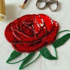Beaded Embroidery, Crochet Earrings, Beads, Sewing, Instagram Posts, Crafts, Jewelry, Art, Handbags