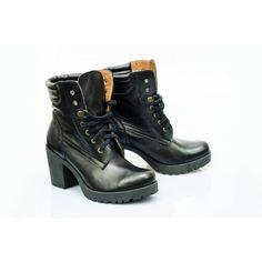 Stylové kožené dámské boty černé barvy - manozo.cz 62473acc7f