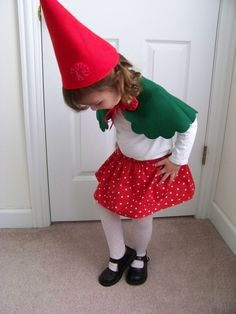 This is one great elf outfit. I'll have to make Z a capelet like this next year. This year's elf is pretty much ready to go see Santa.
