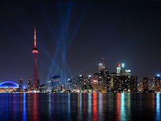 http://travelcubes.com/wp-content/uploads/2011/10/Toronto-Canada-001.jpg