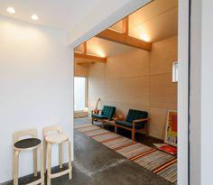 風景のある家.LLCによる安く明るくおしゃれな住居兼工房の革工房の音色_3