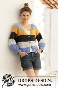 Valencia cardigan / DROPS - free knitting patterns by DROPS design Knitted jacket with stripes, v-neck and raglan. The piece is worked in DROPS Air, from top to bottom. Sizes S - XXXL. Knit Cardigan Pattern, Sweater Knitting Patterns, Knit Patterns, Cardigan Design, Drops Design, Knitting Blogs, Hand Knitting, Free Knitting Patterns For Women, Raglan Pullover