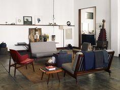 60's interior. Picture rail/ shelf?