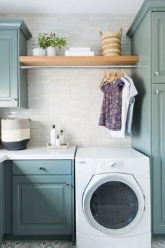 58 Stylish Laundry Room Design Ideas To Inspiring You #housedesign #laundryroom #laundryroomideas > Fieltro.Net