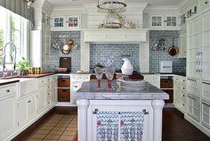 Blue + white kitchen: White cabinets + white marble + blue tiles