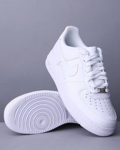 DrJays.com - Detailed Images of AIR FORCE 1 '07 SNEAKERS by Nike