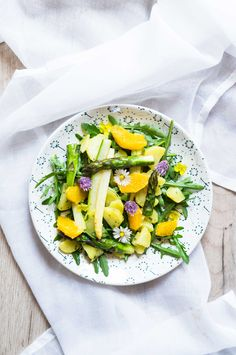 Insalata primaverile arance e asparagi | Marzia Fine Dining Cobb Salad, Food Photography, Cooking Recipes, Cooker Recipes, Cooking Photography, Recipies, Recipes