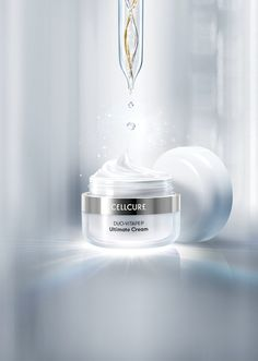 Cellcure is a cosmetic brand where has the cosmeceutical skincare line formulated with Celltrion's proprietary patented substances Beauty Ad, Beauty Shots, Clean Beauty, Cosmetic Packaging, Beauty Packaging, Still Life Photography, Beauty Photography, Cosmetic Photography, Visual Advertising
