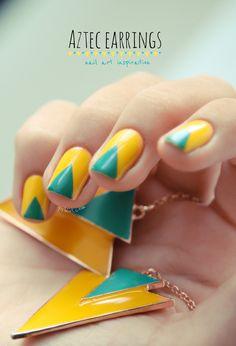 Nail art     TRIANGLE AZTEC