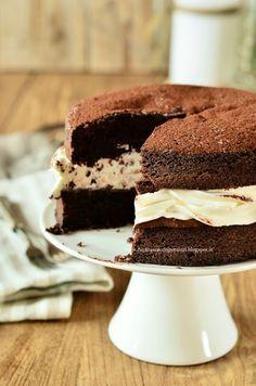 Sponge cake con crema alla nocciola e panna
