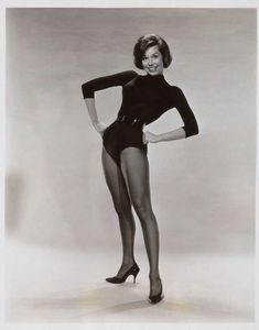 Mary Tyler Moore Show, Cyd Charisse, Elizabeth Montgomery, Angie Dickinson, Claudia Cardinale, Comedy Show, Jane Fonda, Girl Bands, Poses