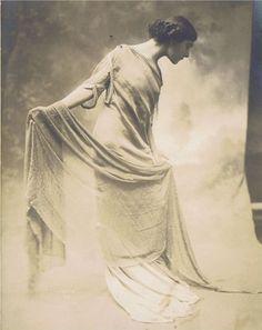 I don't wear dresses: Photo Vintage Photographs, Vintage Photos, Christian Dior, Marie Windsor, Garden Of Allah, Charles Perrault, Sound Film, Art Poses, Silent Film