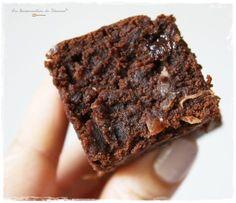 Mon Brownie Vegan, un peu Coco Chocolate Desserts, Vegan Desserts, Delicious Desserts, Vegan Recipes, Cooking Recipes, Chocolate Cake, My Favorite Food, Favorite Recipes, Patisserie Vegan