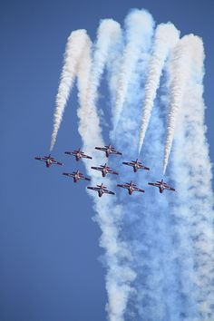 Another photo I took of the Snowbirds from the Great Lakes International Air Show in St. All Military Branches, Raf Red Arrows, Airplane Photography, The Descent, Military Photos, Blue Angels, Jet Plane, Big Bird, Air Show