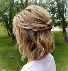 Classy Bob Half Updo with Chain Braids frisuren haare hair hair long hair short Easy Updos For Medium Hair, Updos For Medium Length Hair, Short Hair Updo, Curly Hair Styles, Long Bob Updo, Short Hair Bridesmaid Hairstyles, Bridesmaid Hair Medium Length Half Up, Bob Hair Updo, Short Hair Wedding Styles