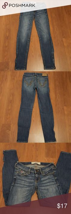 Hollister 00 w23 zip htf ankle skinny jeans EUC Hollister size00 zip ankle skinny jeans. You will love these jeans! Very hard to find EUC. Hollister Jeans Ankle & Cropped