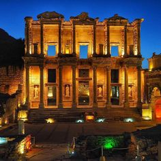 One of the most important wonders of Ephesus is its library, which illuminates the night sky over this ancient city!  #TurkeyHome #Izmir #Ephesus
