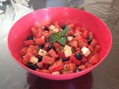 Salade de melon d'eau, fêta, menthe et olives noires Salsa, Mexican, Ethnic Recipes, Food, Mint, Kitchens, Essen, Salsa Music, Meals