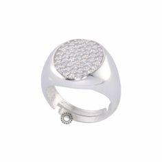 Ένα μοντέρνο ανοικτό δαχτυλίδι τύπου σεβαλιέ (chevalier) σε ασήμι 925 με  ζιργκόν καρφωμένα στην 3d0d4da593e