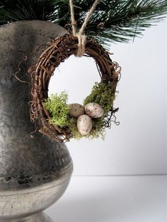Rustic Wreath Ornament Nest with Moss and Eggs, Garden Decor - Living Rustic Christmas, Christmas Crafts, Christmas Decorations, Christmas Ornaments, Scandinavian Christmas, Summer Door Wreaths, Easter Wreaths, Ornament Wreath, Grapevine Wreath