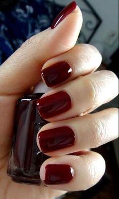 Rosso scuro tendenza unghie autunno inverno 2014 2015